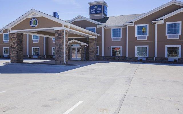 Отель Cobblestone Inn & Suites - Altamont вид на фасад