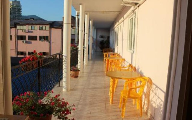 Гостиница Руслан в Сочи отзывы, цены и фото номеров - забронировать гостиницу Руслан онлайн вид на фасад