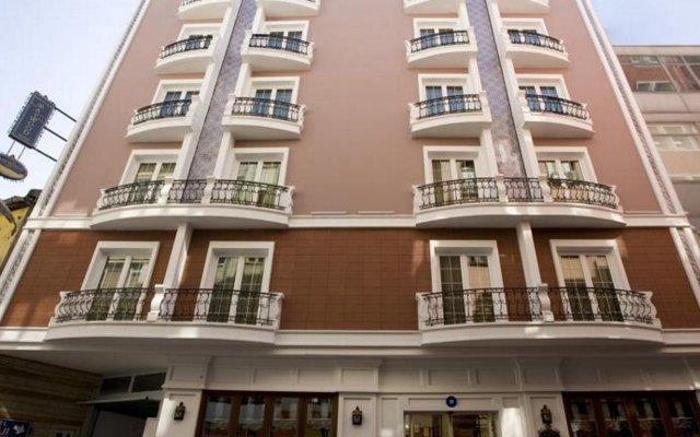 Maywood Hotel вид на фасад