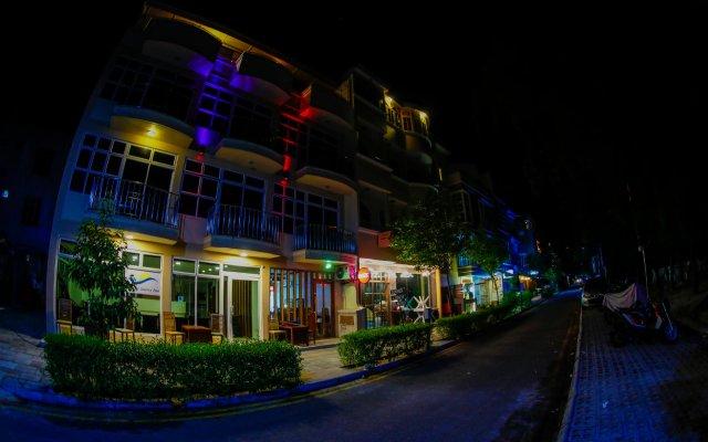 Отель Sunny Suites Inn Мальдивы, Мале - отзывы, цены и фото номеров - забронировать отель Sunny Suites Inn онлайн вид на фасад