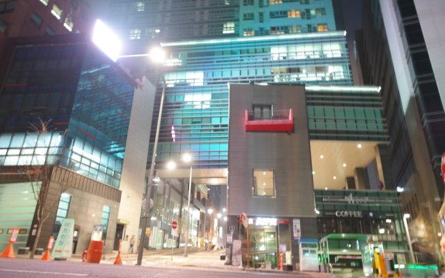 Апартаменты Myeongdong Studio вид на фасад