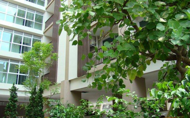 Апартаменты Bangkok Living Apartment Бангкок вид на фасад