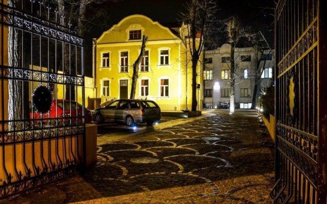 Отель Lódzki Palacyk вид на фасад