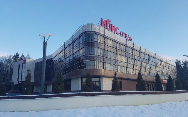 Гостиница Ибис Москва Аэропорт Домодедово вид на фасад