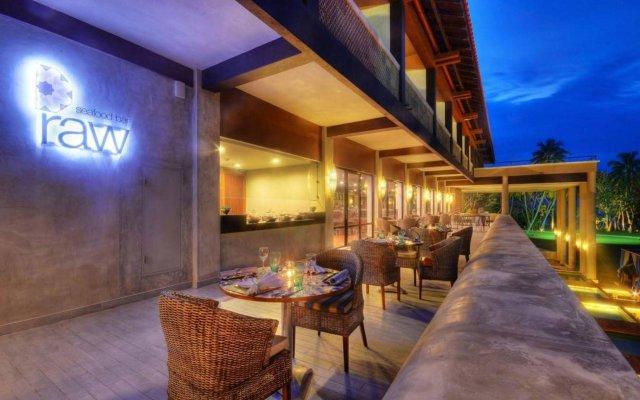 Отель Cinnamon Bey Шри-Ланка, Берувела - 1 отзыв об отеле, цены и фото номеров - забронировать отель Cinnamon Bey онлайн вид на фасад
