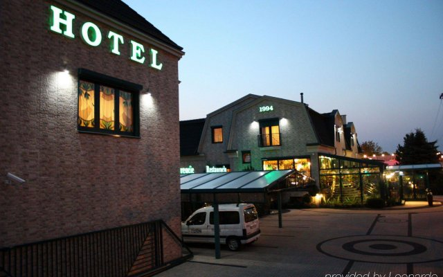 Отель Mats Польша, Познань - отзывы, цены и фото номеров - забронировать отель Mats онлайн вид на фасад