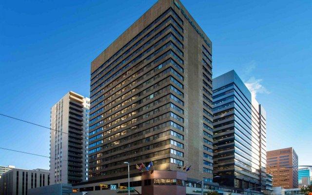 Отель Sandman Hotel Calgary City Centre Канада, Калгари - отзывы, цены и фото номеров - забронировать отель Sandman Hotel Calgary City Centre онлайн вид на фасад