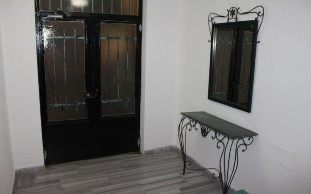 Отель Beautiful 2 BR Apt Quiet & Private Иордания, Амман - отзывы, цены и фото номеров - забронировать отель Beautiful 2 BR Apt Quiet & Private онлайн вид на фасад