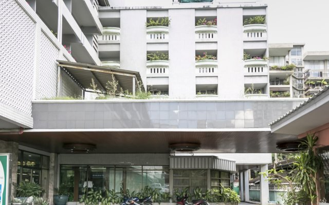 The Park Hotel Bangkok вид на фасад