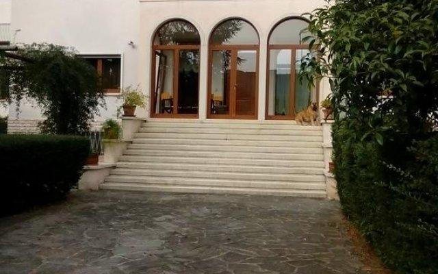 Отель Villa Osmanthus Италия, Виченца - отзывы, цены и фото номеров - забронировать отель Villa Osmanthus онлайн вид на фасад