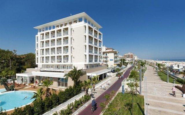 Hotel Ambasciatori вид на фасад