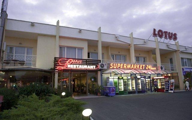 Отель Lotus Hotel Болгария, Солнечный берег - отзывы, цены и фото номеров - забронировать отель Lotus Hotel онлайн вид на фасад