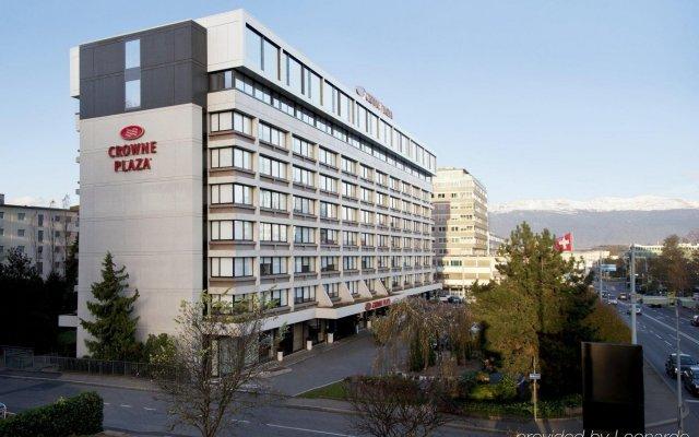 Отель Crowne Plaza Geneva Швейцария, Женева - отзывы, цены и фото номеров - забронировать отель Crowne Plaza Geneva онлайн вид на фасад