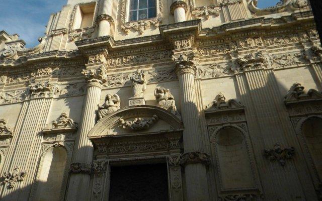 Отель La Piazzetta Лечче вид на фасад