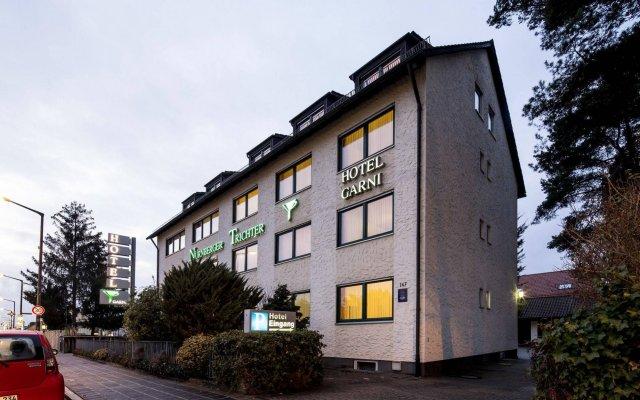 Hotel Garni Nuernberger Trichter вид на фасад