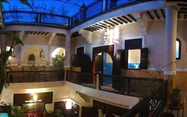 Отель Riad Harmattan Марракеш вид на фасад