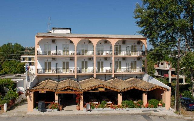 Отель Popi Star вид на фасад