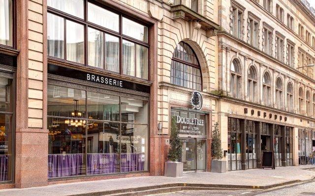 Отель Doubletree By Hilton Edinburgh City Centre Эдинбург вид на фасад