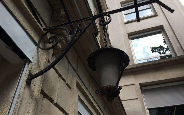 Отель Milestay Champs Elysées Франция, Париж - отзывы, цены и фото номеров - забронировать отель Milestay Champs Elysées онлайн вид на фасад
