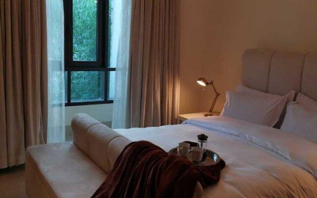 Отель Airbetter SouK Al Bahar Дубай комната для гостей