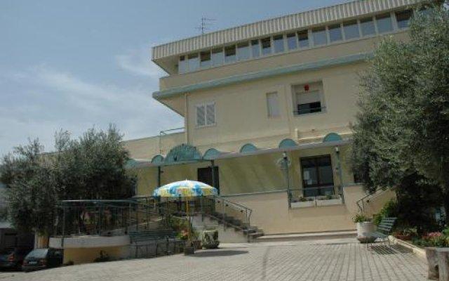 Hotel Ristorante Verna Ортона вид на фасад