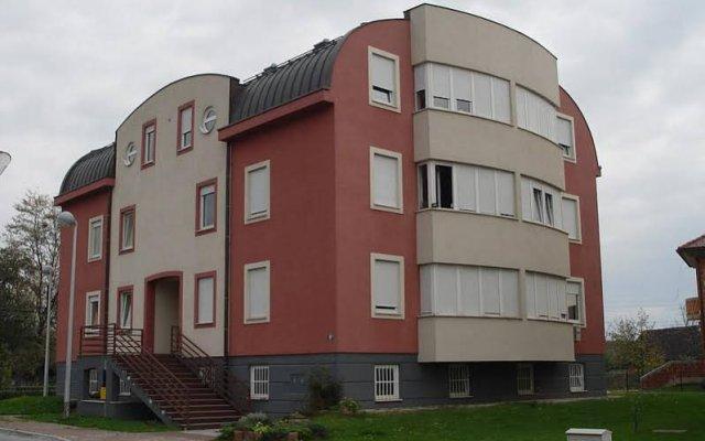 Апартаменты Apartment Urbana Vila вид на фасад