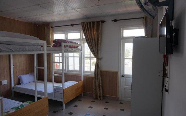 Dalat Backpackers Hostel Далат комната для гостей