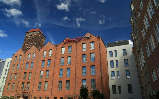 Отель Hampton by Hilton Gdansk Old Town Польша, Гданьск - 1 отзыв об отеле, цены и фото номеров - забронировать отель Hampton by Hilton Gdansk Old Town онлайн вид на фасад
