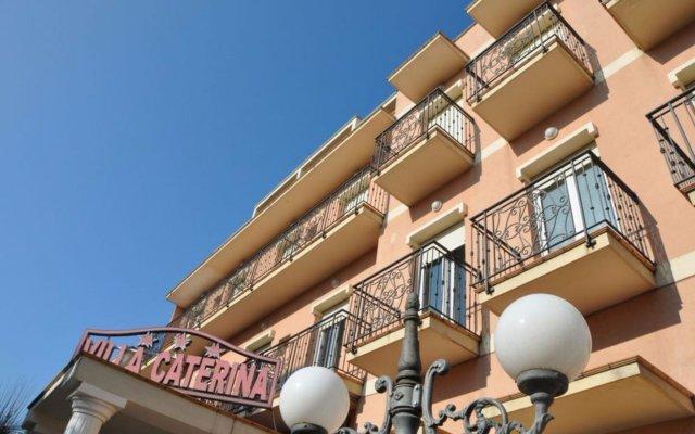 Отель Villa Caterina Италия, Римини - 1 отзыв об отеле, цены и фото номеров - забронировать отель Villa Caterina онлайн вид на фасад