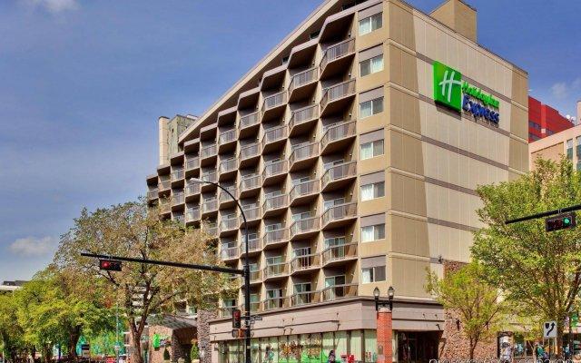Holiday Inn Express Edmonton Downtown, an IHG Hotel