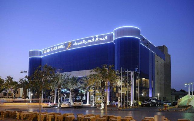 Отель Al Hamra Palace By Warwick вид на фасад