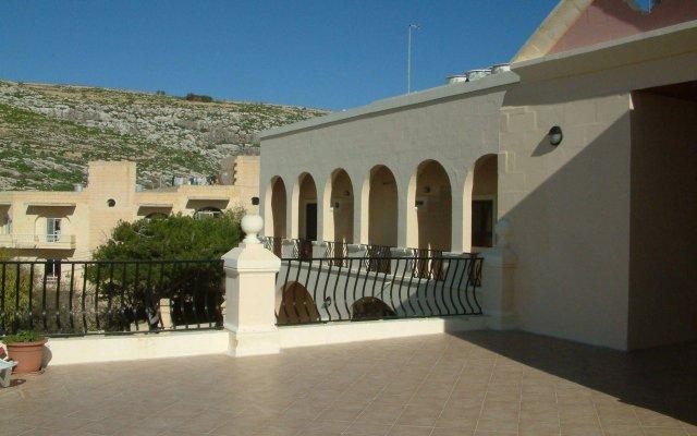 Отель San Antonio Guesthouse Мальта, Мунксар - отзывы, цены и фото номеров - забронировать отель San Antonio Guesthouse онлайн вид на фасад
