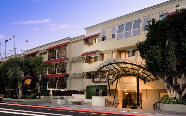 Le Parc Suite Hotel вид на фасад