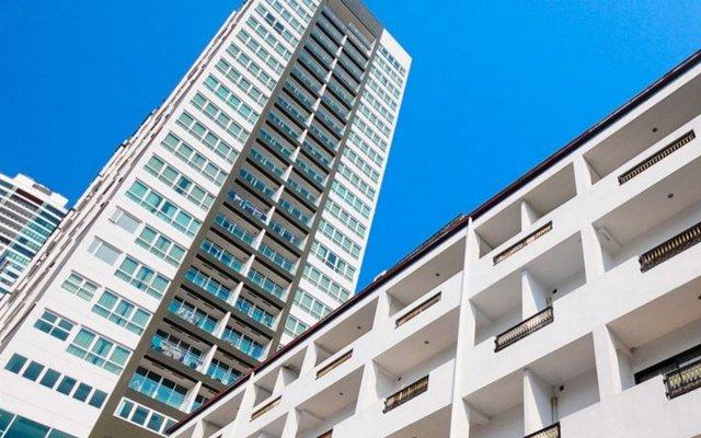 Отель Admiral Suites Sukhumvit 22 By Compass Hospitality Бангкок вид на фасад