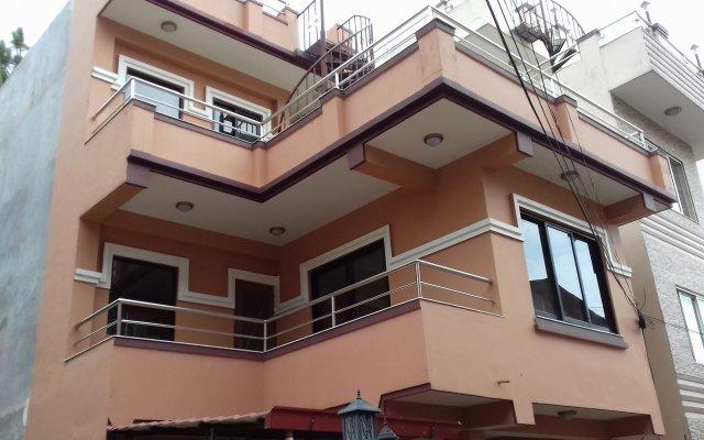 Отель Nepal Inn Bed & Breakfast Непал, Лалитпур - отзывы, цены и фото номеров - забронировать отель Nepal Inn Bed & Breakfast онлайн вид на фасад