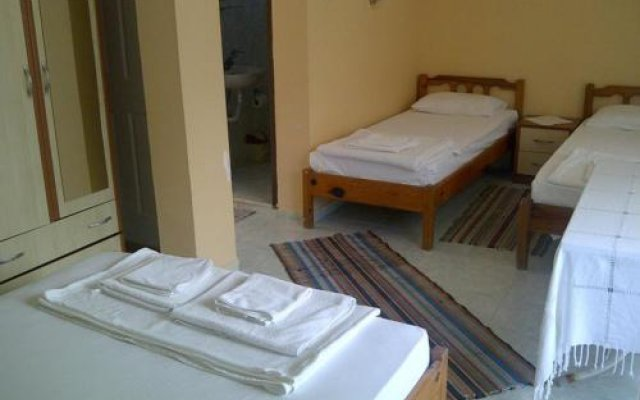 Отель Serenity Pension комната для гостей