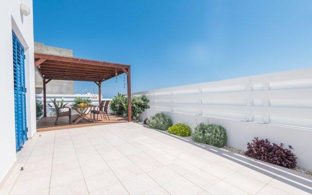Отель Narcissos Bay View Villa Кипр, Протарас - отзывы, цены и фото номеров - забронировать отель Narcissos Bay View Villa онлайн вид на фасад