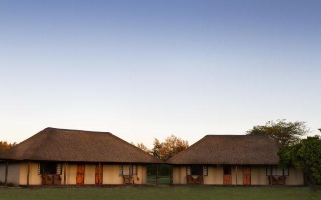 Отель Chrislin African Lodge вид на фасад