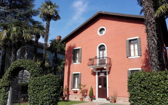 Отель Villa Casanova вид на фасад