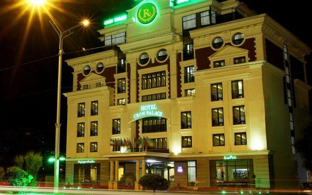 Отель Cron Palace Tbilisi Тбилиси вид на фасад