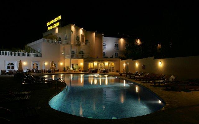 Grand Hotel Palladium Santa Eulalia del Rio вид на фасад