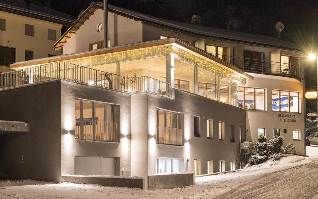 Отель Laagers Hotel Garni Швейцария, Самедан - отзывы, цены и фото номеров - забронировать отель Laagers Hotel Garni онлайн вид на фасад