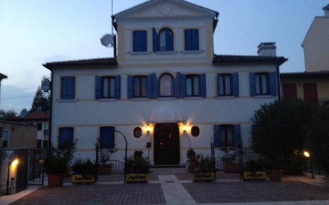 Отель Ca' Nova Alloggi вид на фасад
