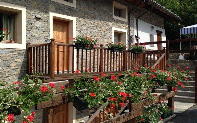 Отель I Picchi Италия, Грессан - отзывы, цены и фото номеров - забронировать отель I Picchi онлайн вид на фасад