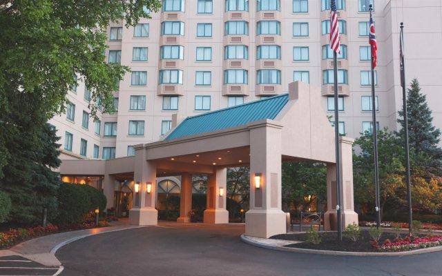 Отель Sheraton Suites Columbus США, Колумбус - отзывы, цены и фото номеров - забронировать отель Sheraton Suites Columbus онлайн вид на фасад