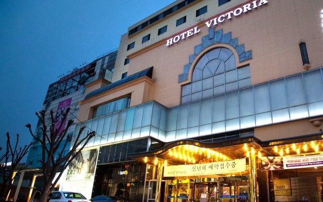 Victoria Hotel вид на фасад