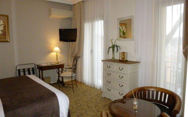 Отель Hôtel Le Petit Palais Франция, Ницца - отзывы, цены и фото номеров - забронировать отель Hôtel Le Petit Palais онлайн комната для гостей