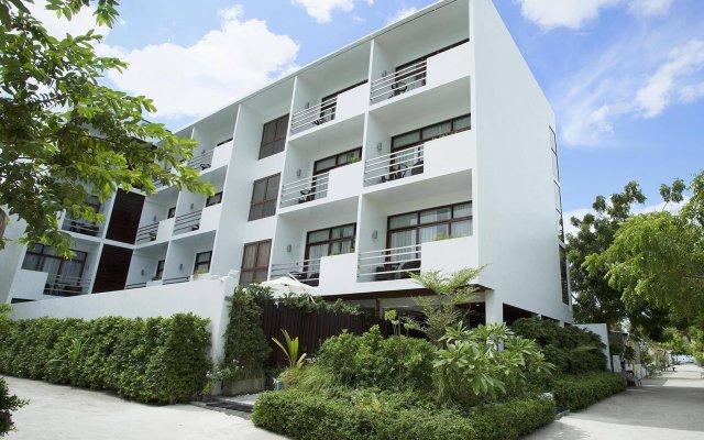 Отель Plumeria Maldives вид на фасад