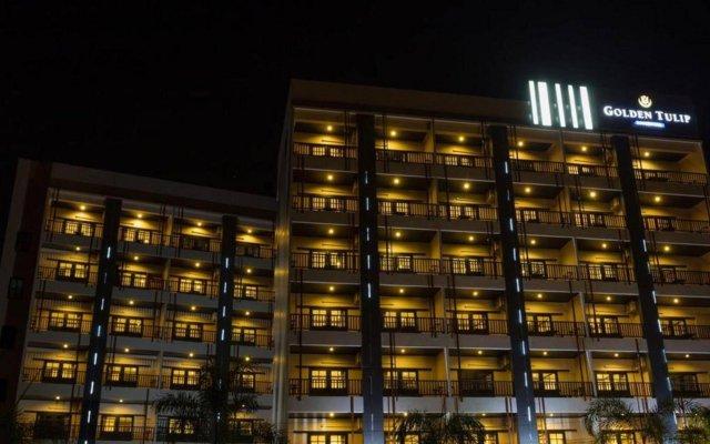Отель Golden Tulip Essential Pattaya вид на фасад