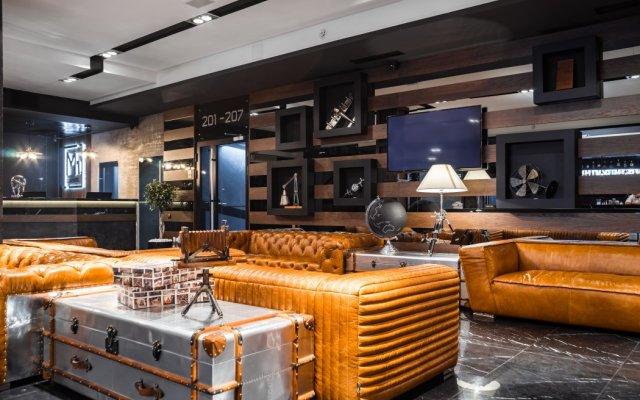 M1 Club Hotel гостиничный бар